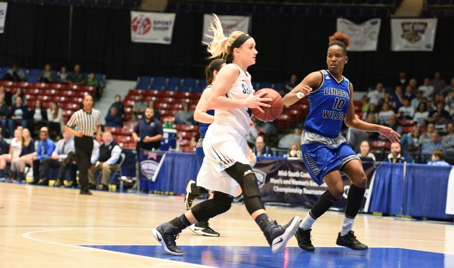 Photo for Women's Basketball to play William Woods in NAIA Tournament
