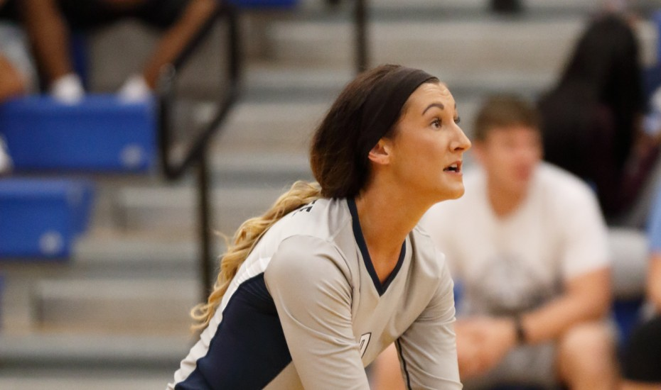 Photo for Volleyball end season with loss to Lindsey Wilson