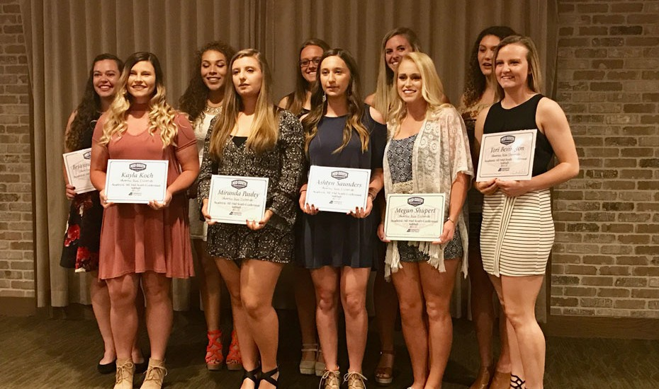 Photo for Softball earns four All-Conference awards at MSC Banquet